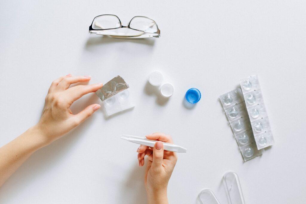 óculos de grau e lentes de contato